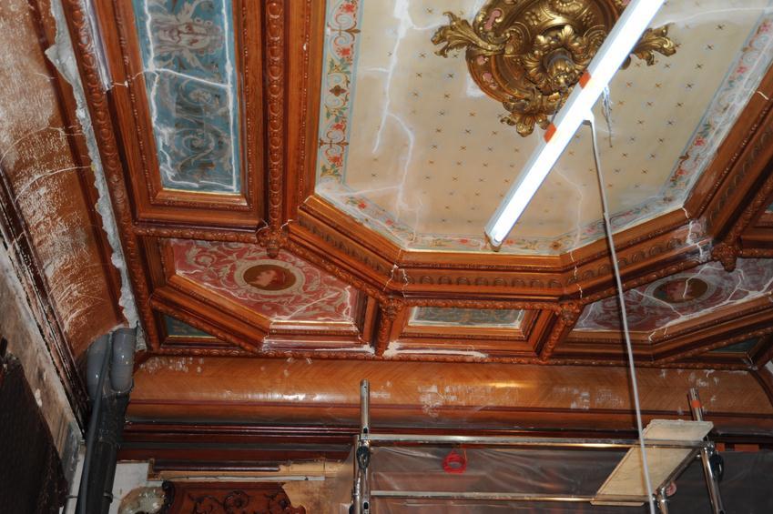 La renovation for Peinture poutre bois plafond